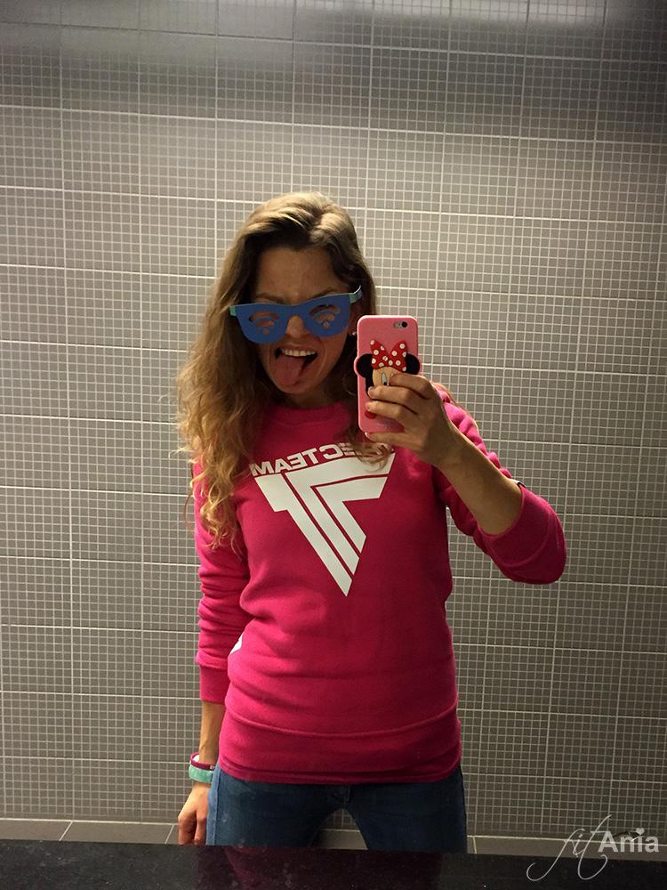 Co to by była za impreza bez selfie w łazienkowym lustrze? :D