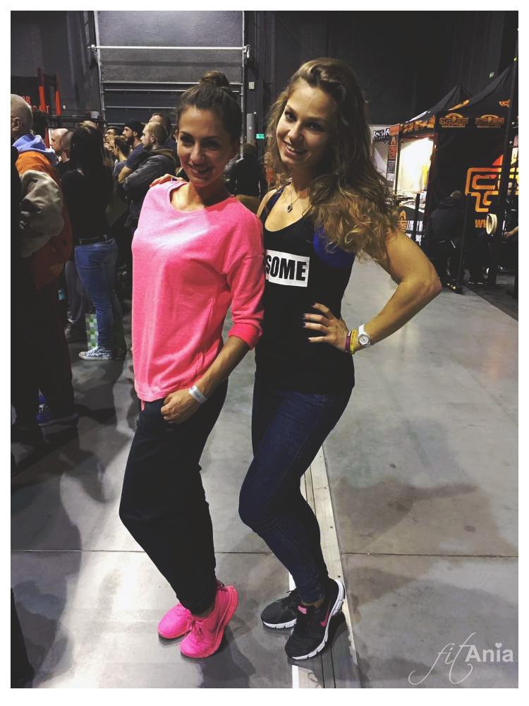 """Po raz pierwszy udało mi się porozmawiać z Gosią działającą na blogu """"Szpilki na siłowni"""" - do tej pory znałyśmy się tylko z instagrama! ;) Miło było w końcu poznać się na żywo i pogadać o wspólnej pasji! :)"""