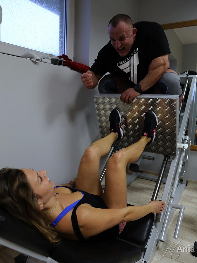Ja i Tomek Lech na Treningu nóg - wycisnęłam jakieś 115 kg... ;)