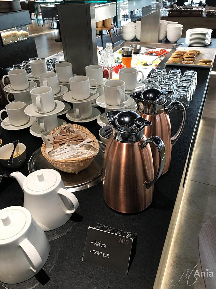 Śniadaniowy bufet szwedzki w hotelu Nutrend World