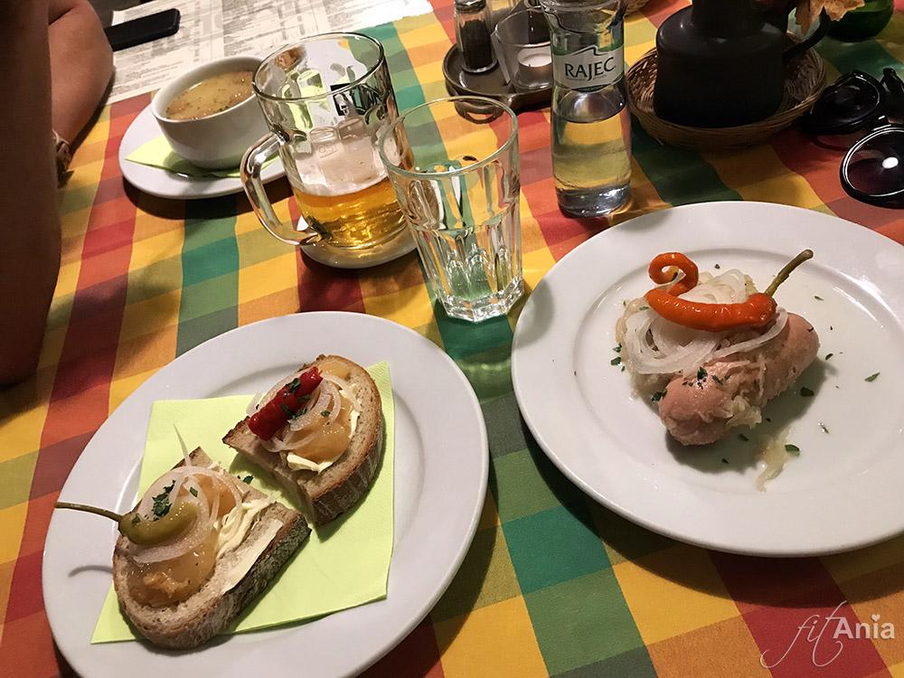 Czeskie specjały w restauracji Moritz: hanácká česnečka, pivní pes i utopenec