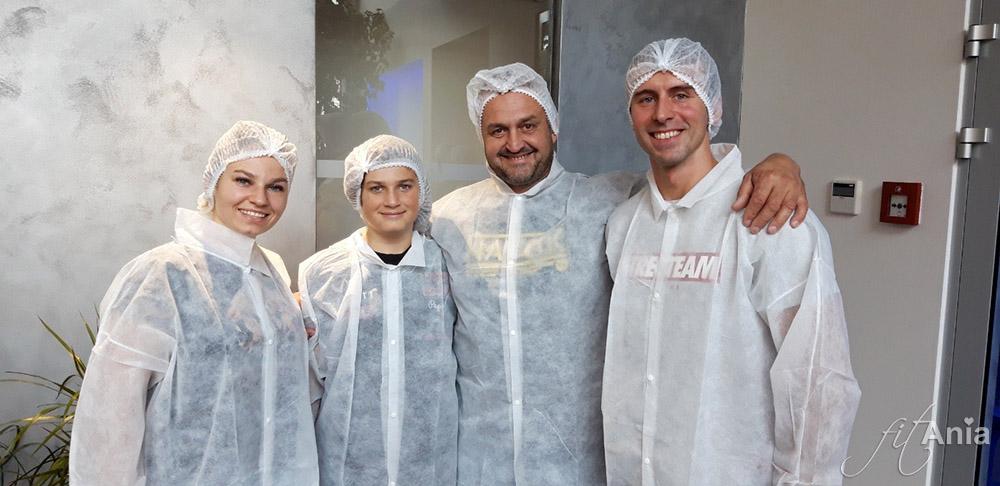 Szymiec Team przed zwiedzaniem fabryki Nutrend'u ;)