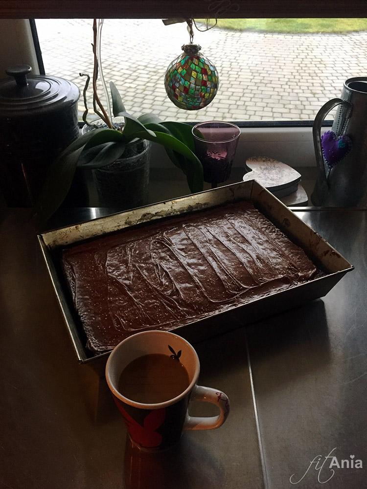 Kawa i ciasto marchewkowe
