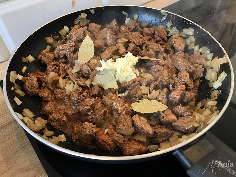 Gulasz wołowy w wersji fit według przepisu mojej Mamy